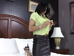 Ebon gal endures ultimate gratification from her stud