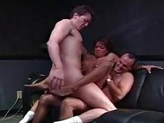 Bootylicious hottie acquires her both holes penetrated in threesome